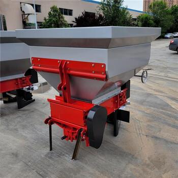 裝1噸肥撒肥機有機肥面肥顆粒肥拋撒機輸送帶式施肥器
