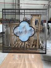 新中式藝術玻璃屏風不銹鋼屏風搭配山水藝術玻璃濃濃的中國風圖片