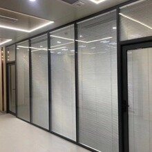 東莞莞城雙層百葉玻璃隔斷價格,辦公室隔斷生產廠家圖片