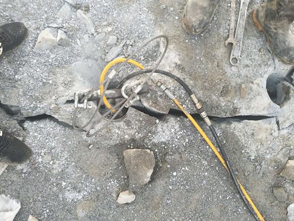 修路巖石開挖靜態劈裂棒山西陽泉
