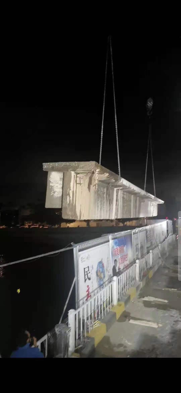 企石镇拆旧混凝土钢架施工、很好的铁皮雨棚
