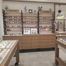 供應黑龍江眼鏡展示柜臺哈爾濱定制鋼木結合眼鏡柜廠家圖片