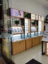 供應山西實木眼鏡展示柜廠家大同新榮區定制玻璃中島矮柜案例圖片