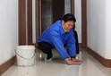 杭州市拱墅区文晖路周边家政保洁公司打扫卫生擦玻璃图片